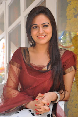 aksha hq hot photoshoot