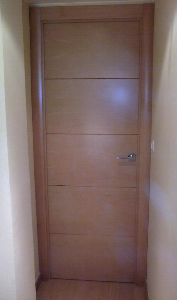 Puertas correderas de haya muebles cansado zaragoza - Correderas para muebles ...