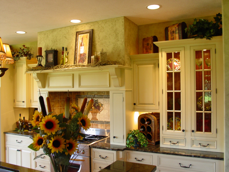 Hunnybee blog country kitchens - Pictures of country cottage kitchens ...