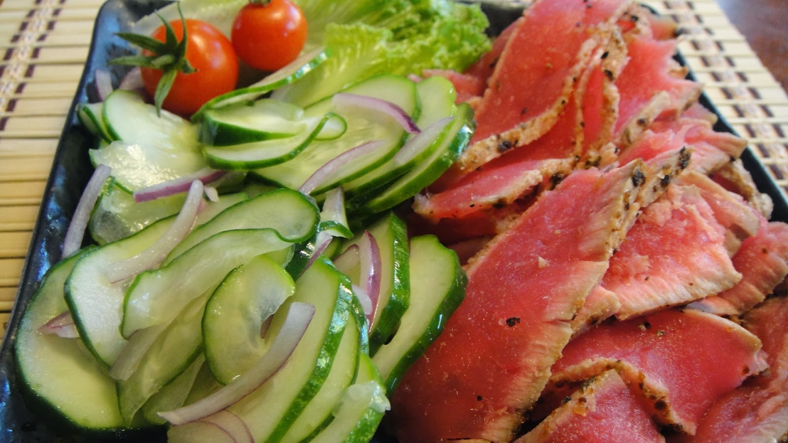 seared ahi tuna with cucumber salad
