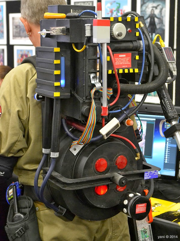 oz comic-con adelaide - proton pack