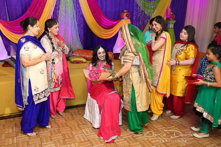Mehndi Ceremony Punjabi : Parveen kamal now panic and freak out cosmin danila