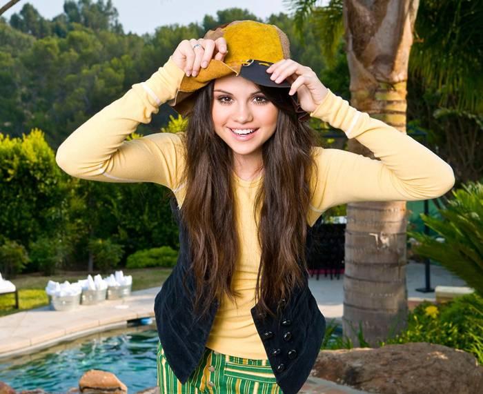 Selena Gomez DKNY Jeans Photoshoot