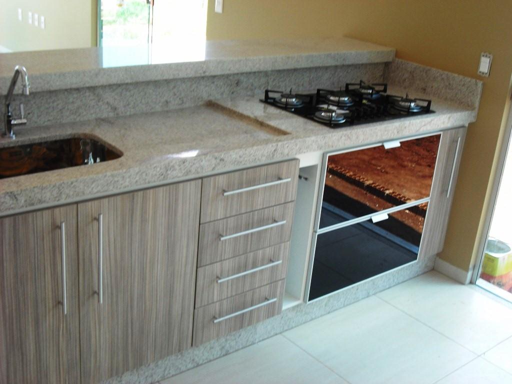 Granitos (67) 3247 5366: Cozinha em MDF com Granito Branco Itaunas #66452F 1024 768