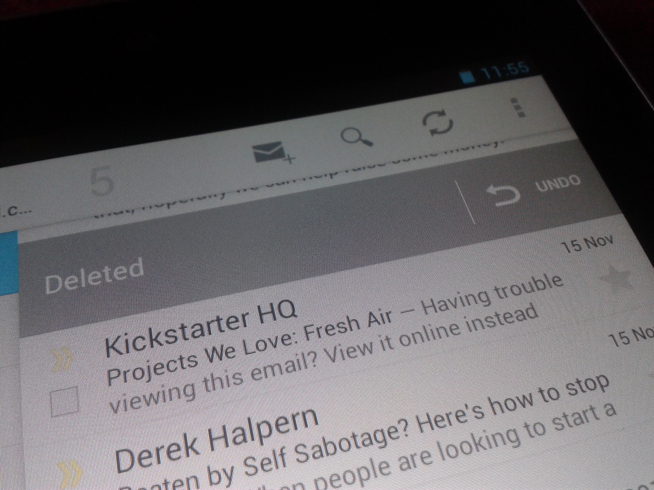 Deleted email in Android 4.2