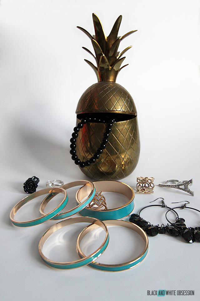 #thriftscorethursday Week 52 Brass Pineapple | www.blackandwhiteobsession.com