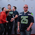 Chris Evans, Chris Pratt e Jimmy Fallon surpreende fãs com Photobomb