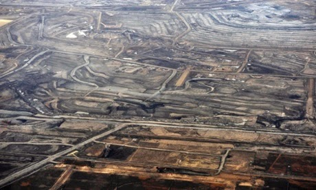 The Syncrude tar sands mine north of Fort McMurray, Alberta, November 3, 2011. Syncrude is one of the largest oil sands producers in Alberta.  (Credit: Todd Korol/Reuters) Click to enlarge.