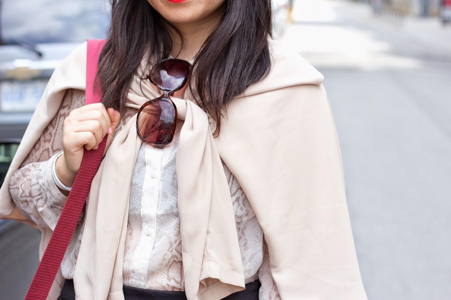 music-festival-look, fedora-hat, chiffon-trench-coat, burgundy-cross-body-bag