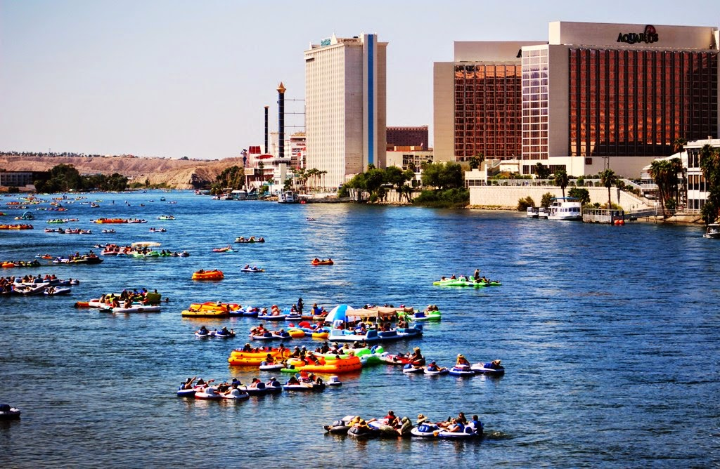9TH ANNUAL BULLHEAD CITY AZ RIVER REGATTA 2015 TUBE FLOAT - YouTube