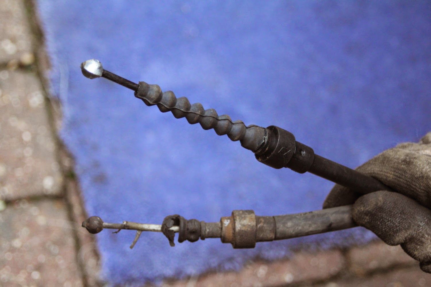 Golf MK2 Replacing Handbrake Cable - Old vs New