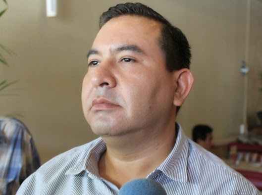 Armando Ríos Piter Tiene