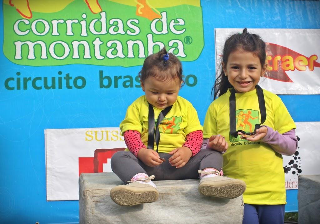As irmãs Antonella e Giovanna, participantes da prova infantil: incentivo à prática esportiva