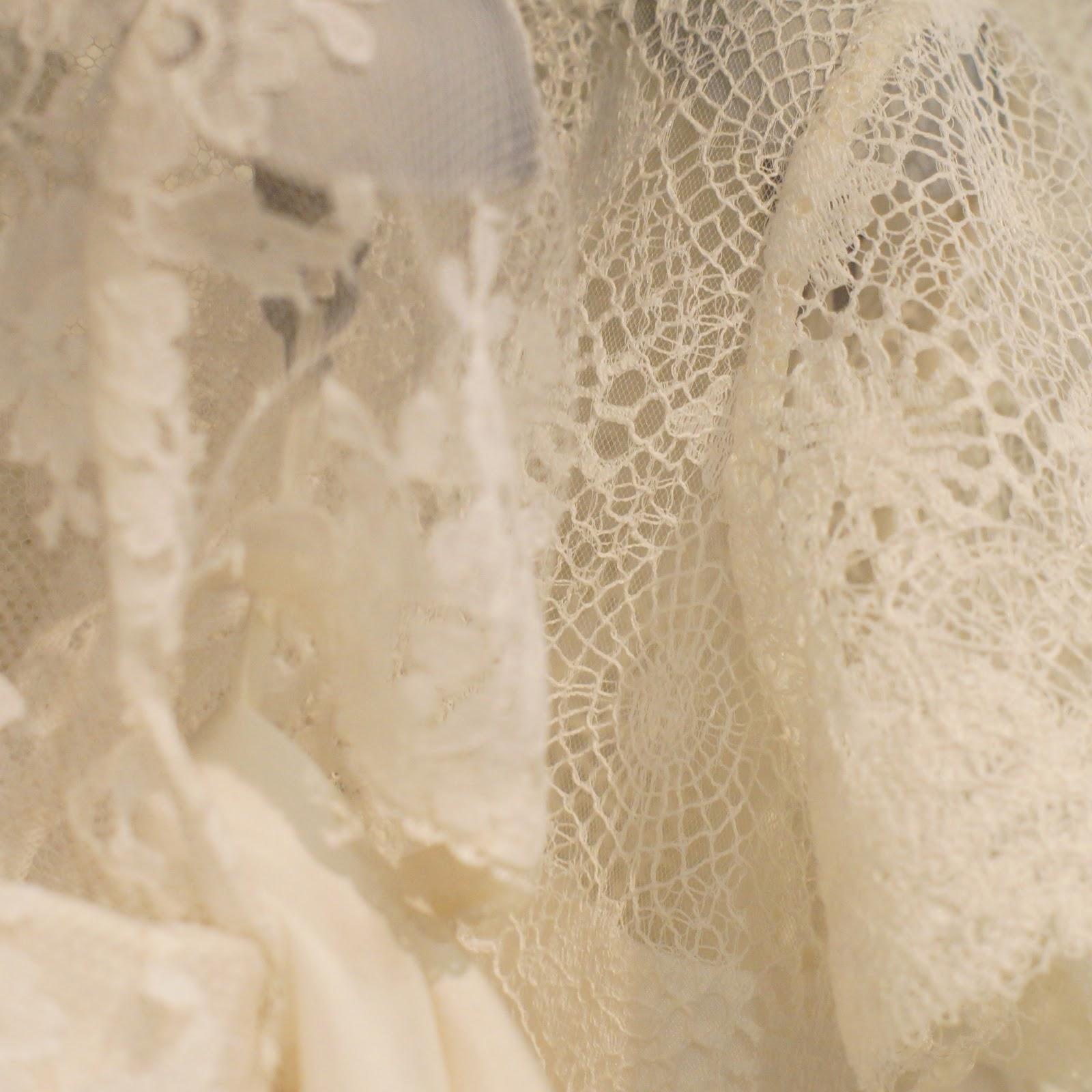 Bruid in stijl by welke soorten stoffen zitten er in jouw bruidsjurk - Stof voor tuinmeubilair ...