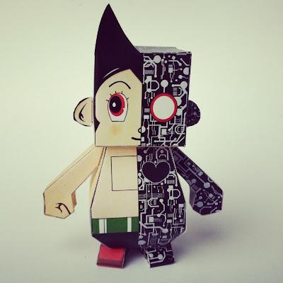 Dumpy Astro Paper Toy