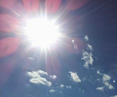Sinar matahari digunakan sebagai pembangkit listrik