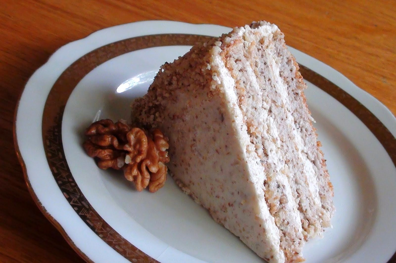 HUNGARIAN WALNUT CAKE – DIÓTORTA
