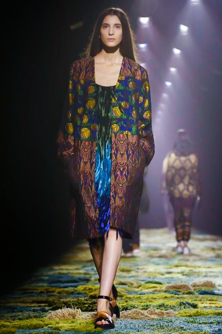 Dries Van Noten spring summer 2015, Dries Van Noten ss15, Dries Van Noten, Dries Van Noten ss15 pfw, Dries Van Noten pfw, pfw, pfwss15, pfw ss15, pfw2014, fashion week, Paris fashion week, du dessin aux podiums, dudessinauxpodiums, vintage look, dress to impress, dress for less, boho, unique vintage, alloy clothing, venus clothing, la moda, spring trends, tendance, tendance de mode, blog de mode, fashion blog,  blog mode, mode paris, paris mode, fashion news, designer, fashion designer, moda in pelle, ross dress for less, fashion magazines, fashion blogs, mode a toi, revista de moda, vintage, vintage definition, vintage retro, top fashion, suits online, blog de moda, blog moda, ropa, asos dresses, blogs de moda, dresses, tunique femme,  vetements femmes, fashion tops, womens fashions, vetement tendance, fashion dresses, ladies clothes, robes de soiree, robe bustier, robe sexy, sexy dress