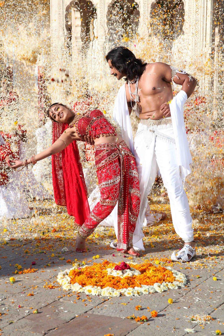 Darshan Sangoli Rayanna Photos Kannada Movie 2011 Stills