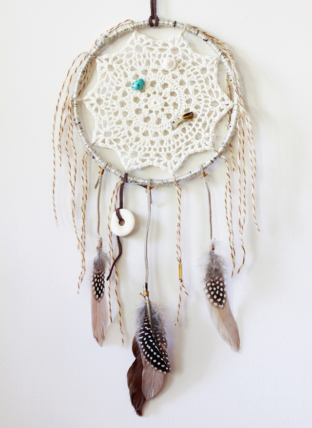 Calico skies 52 week challenge 9 diy dreamcatcher for Dream catchers how to make them