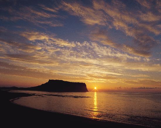 Jeju Island : South Korean Most Popular Tourist Destination ~ World39;s