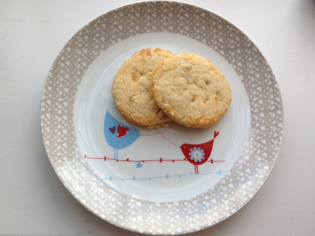 ginger shortbread with sugar crust