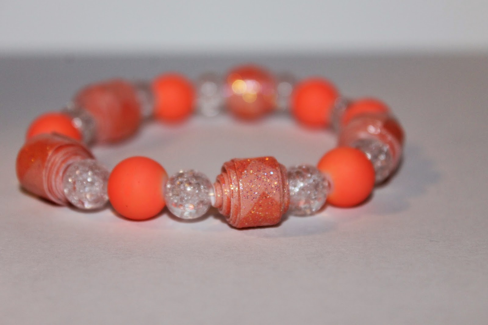paper bead bracelet, DIY paper bead bracelet