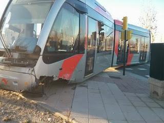 Tranvía descarrila Zaragoza