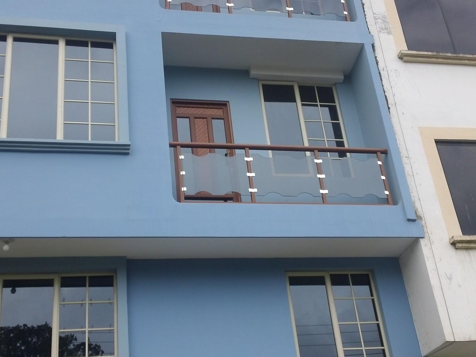 Good glass modelos de pasamanos for Modelos de balcones modernos para casas