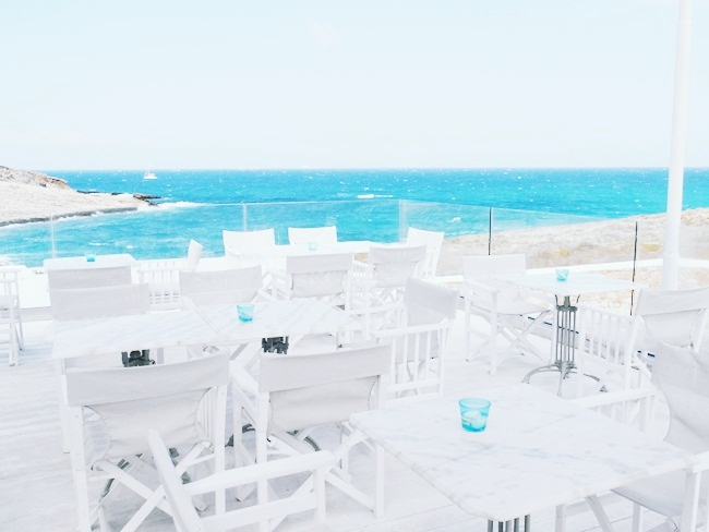 Minois Village Hotel Suites & Spa,Paros,Parasporos.Luxury hotels in Paros.Best Paros hotels.Where to stay in Paros.Paros travel guide.Hoteli na Paros ostrvu.