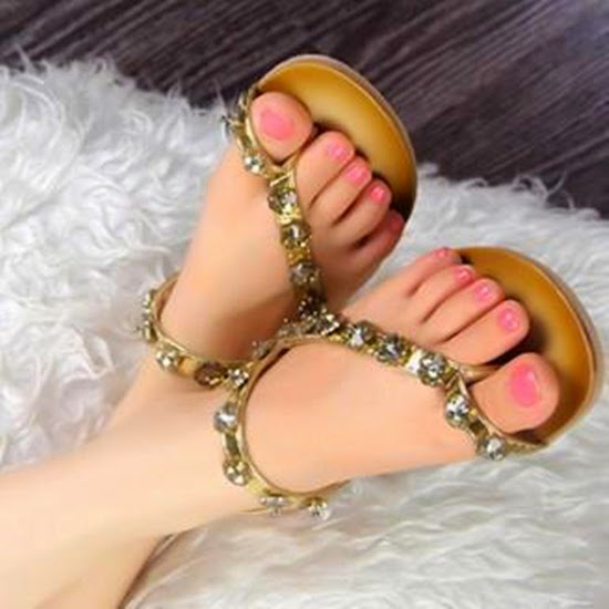 http://www.funmag.org/fashion-mag/fashion-style/stylish-slippers-for-girls/