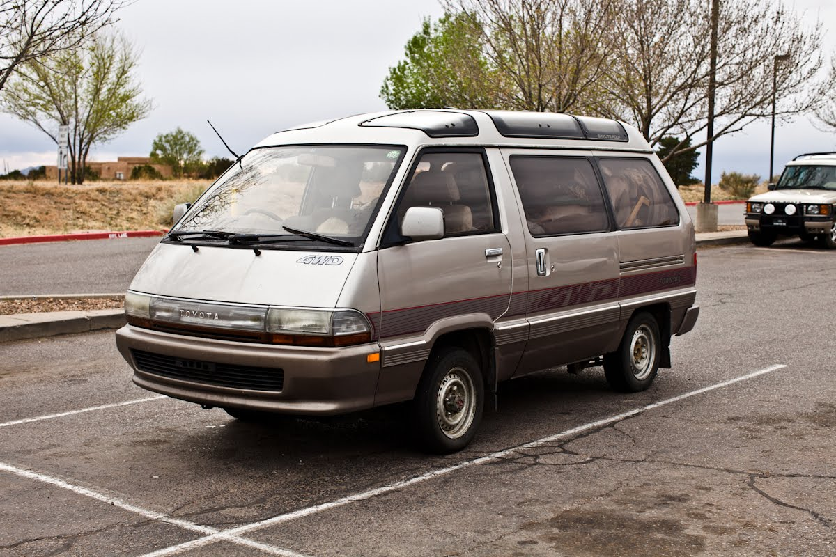 The Street Peep 1991 Toyota Townace Royal Lounge Diesel 4wd