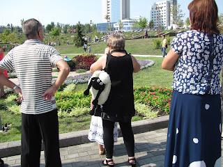 Выставка цветов, Донецк, день города, фигуры из цветов
