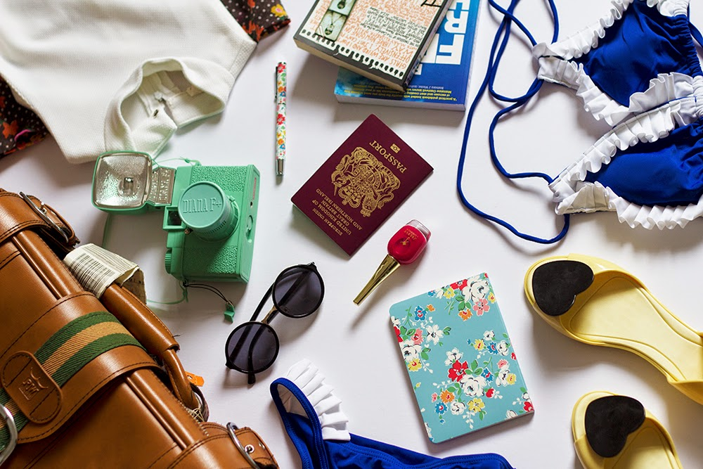 Holiday packing tips fashion blogger uk