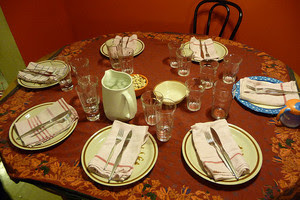 A Game to Teach Table Manners – MannerIsms