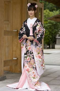 The modern Japanese wedding dress next year ~ CREATIVE YOUNG PEOPLE