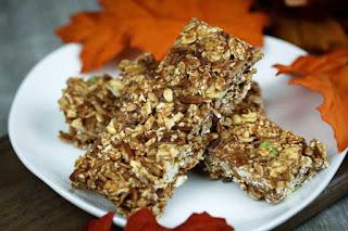 apple-spice-granola-bars