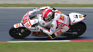 2011 10 23.Crash:Marco Simoncelli dead