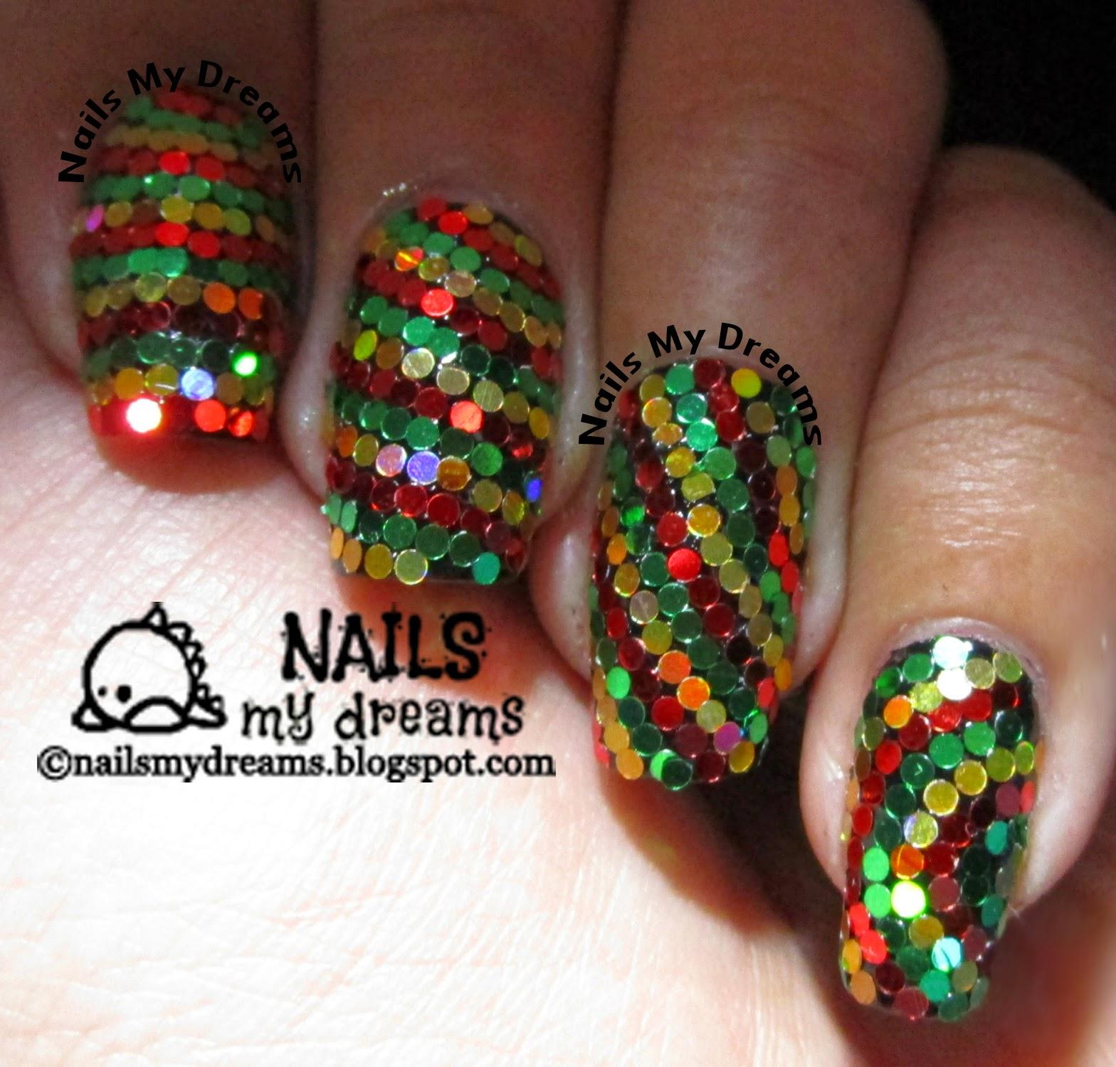 reggae christmas inspired glitter placement nail art