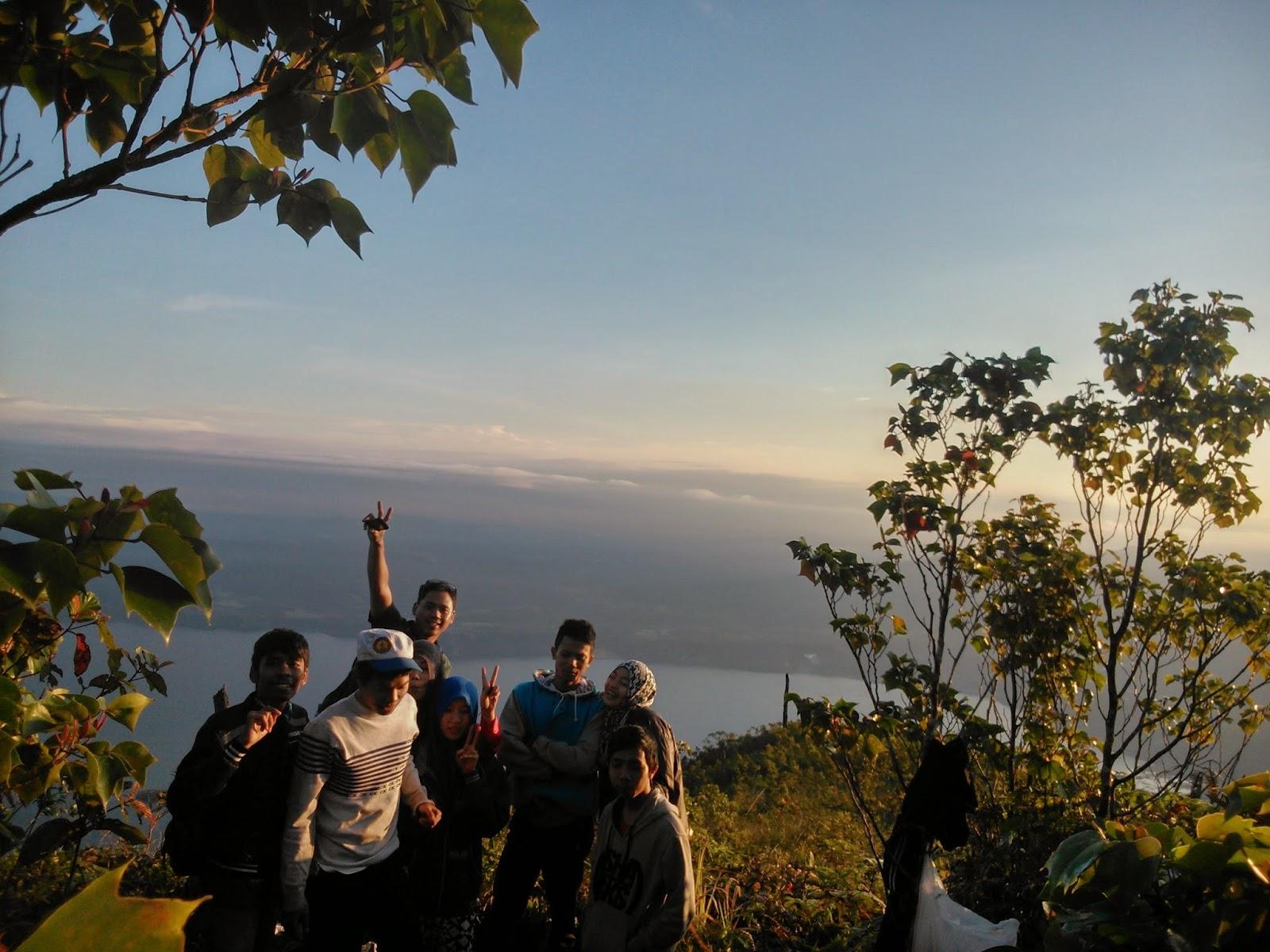 pendakian gunung seminung