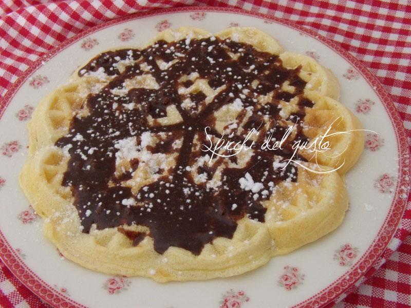 Waffle al cioccolato fondente