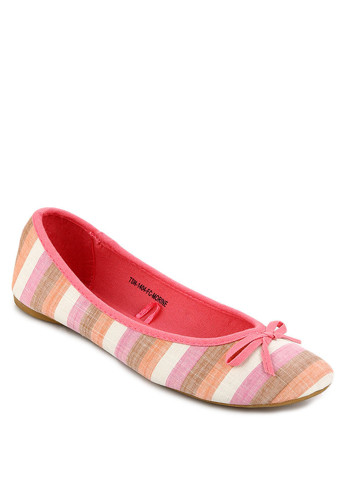 http://www.zalora.co.id/Morine-Flat-Shoes-762142.html