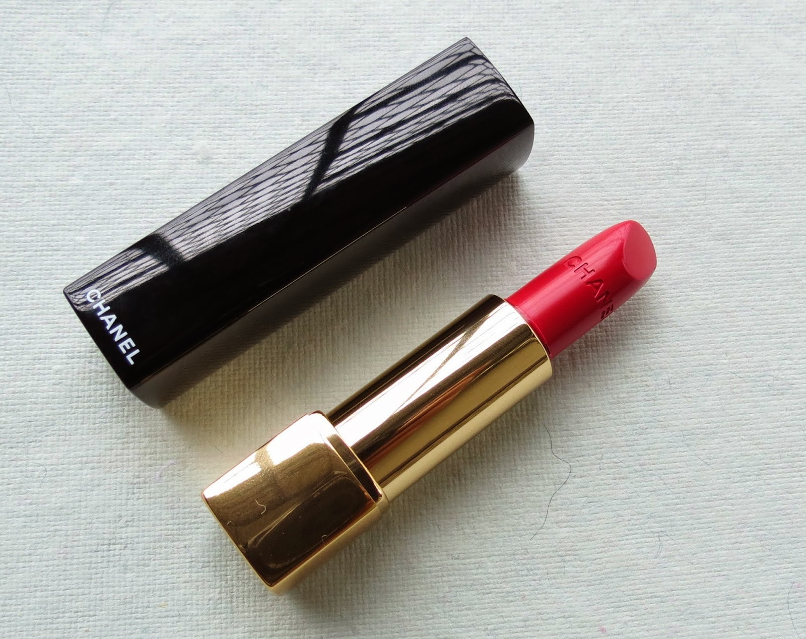 makeupbyeesha chanel rouge allure luminous intense lipstick in palpitante. Black Bedroom Furniture Sets. Home Design Ideas