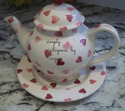 hearts, teapot,