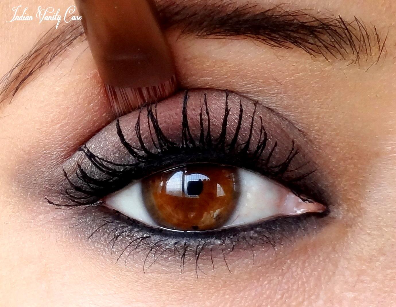indian vanity case kareena kapoor eye makeup bollywood