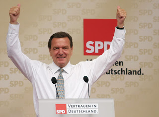 Noticias insólitas: Schroeder podría cobrar 150 millones por una de sus frases incluida en una exitosa canción