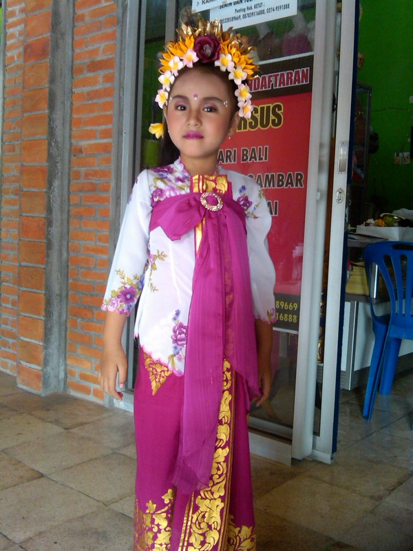 Baju Fashion Show Anak Adat Bali