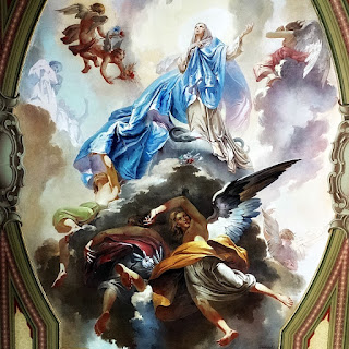 Nossa Senhora rodeada por anjos. Pintura no Teto da Catedral de Santa Maria (RS)