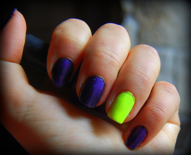 in jungle of fashion nail