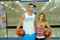 HOUSTON ROCKETS Y NINA AGDAL